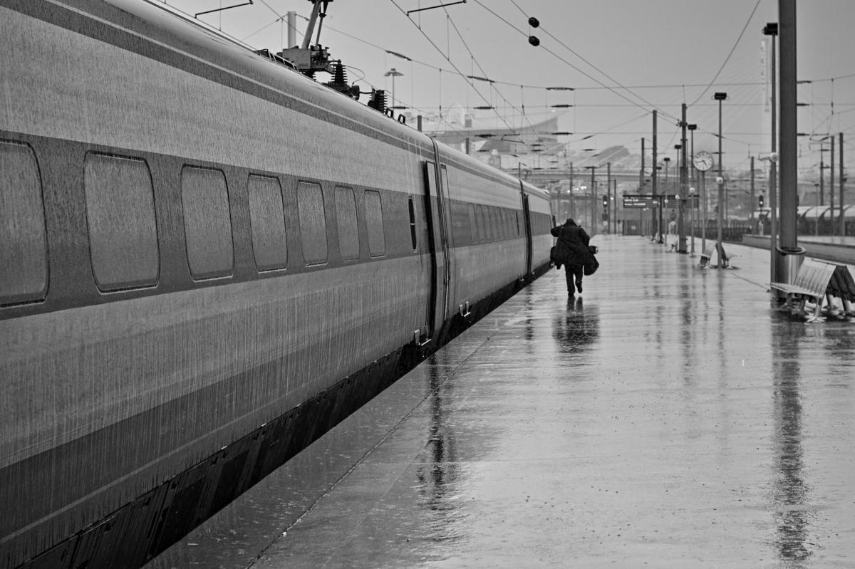 Comme tous les jours dans le TGV Lyon-Paris de 6H04...